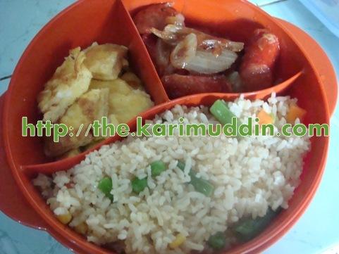 nasi goreng yang chow, dadar keju dan sosis pok choy saos tiram
